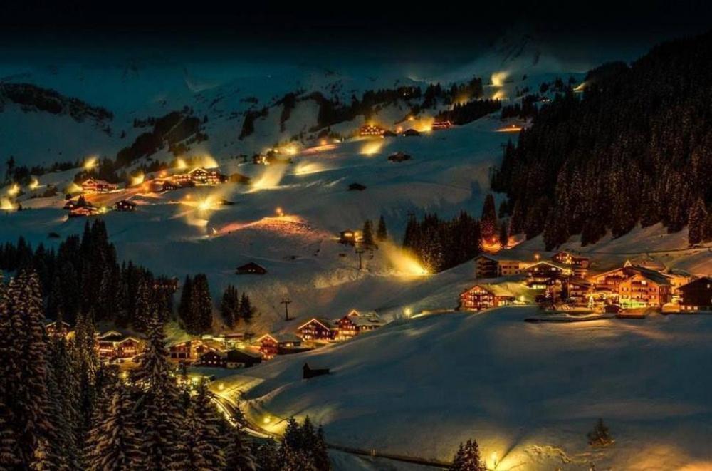Дамюльс, Австрия