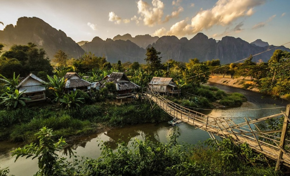 Вангвианг, Лаос